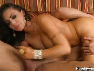 Bootylicious cougar brunette with melons sicks hard cum shooter