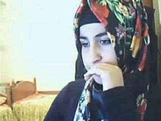 "hijab girl showing ass on webcam"" target=""_blank"