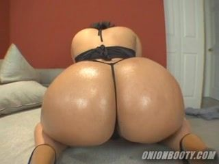 Ebony tart big ass oiling