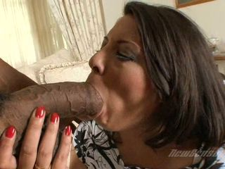 Scorching babe Gisselle fits a monumental unscrupulous cock in her mouth until she chokes