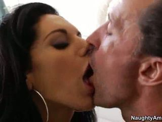 Bella Reese kissing with the hubby of her friend