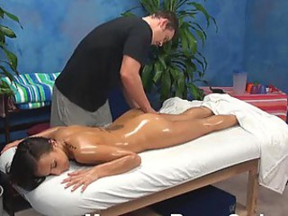 Teen in for massage gets fucked