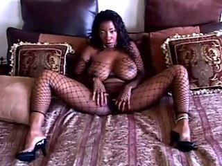 Fisnhet Ebony BBW Plays Solo