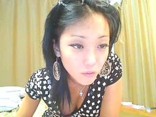 Asian webcam girl tease and strip