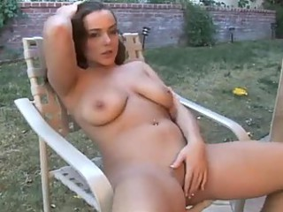 Curvy girl masturbates hot pussy outdoors
