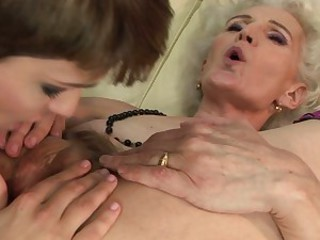 Granny spreads her gash getting a good licking