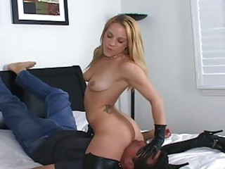 Kirra Lynne sitting on the face of a hot dude