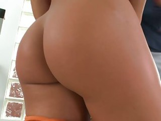 Charming blonde Nicole Aniston with adorable ass takes dick up her smooth pussy and rides it after giving blowjob at the gym. This blonde hottie with sexy body goes crazy about fucking.