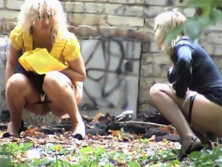 Shameless Girls Pissing In Public