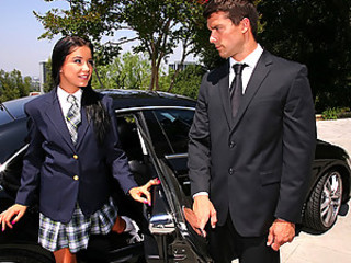Smokin little teen sucks and fucks daddys limo driver after picking her encircling non-native school