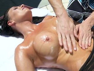 Sexy Latina Repays Oily Massage with Hardcore Sex