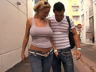 Milf in jeans eats boner
