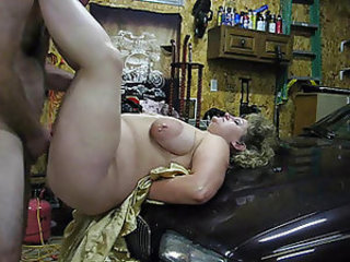 Fucking a BBW on the hood