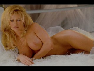 WWE DIVAS NUDE !! SHAVED...