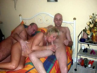 amateur threesome 35 blonde
