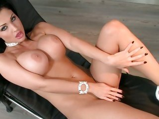 Aletta Bounding main spreading her legs and caress her body