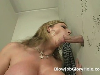 Murkiness hotty on her knees blowjobs estranger big dick...