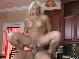 Sensuous milf Rhylee Richards has bumped