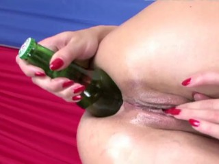 Alysa got a bottle in her pest _: anal gaping russian