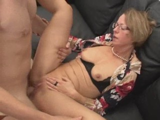Mature sucks, spreads, gapes, spit roasted, fisted, anal,...