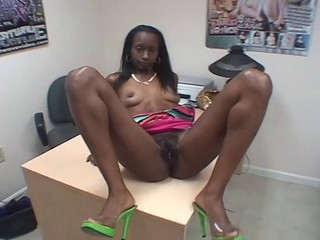 EBONY AMATEUR FUCKED BY A WHITE...