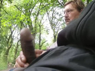 PM jerking in public
