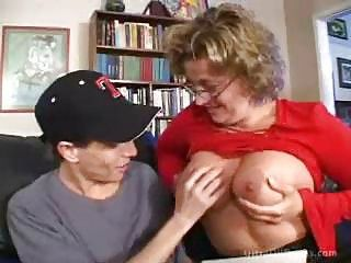 Busty Mature Moms in Heat