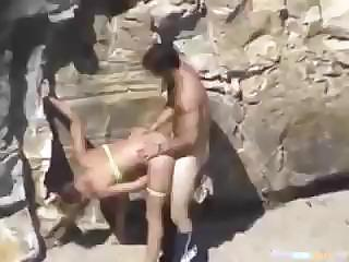 This Couple Is Horny And Can't Wait So They Fuck On The Beach
