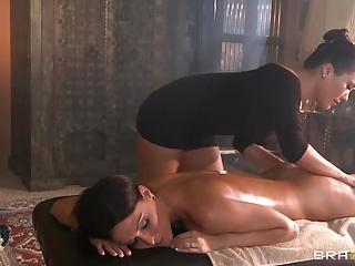 Whore London Keys Rubs Down Jessica Jaymes' Naked Body