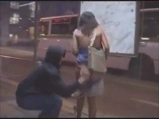 "Undressing women on street L7"" target=""_blank"