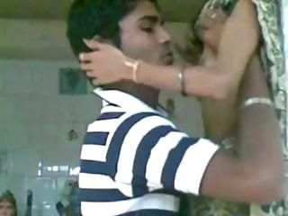Indian scandal newly married girl sexing with her old lover