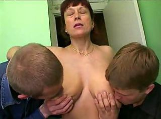 amalia threesome