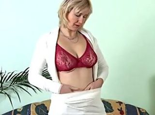 Mature Masturbating on the Sofa _: masturbation matures milfs