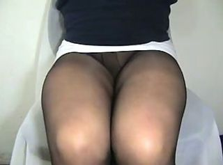 crossdresser Erica pantyhose legs _: amateur close-ups voyeur