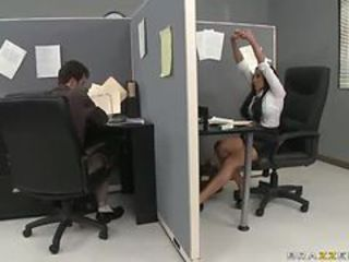 Smoke Break Flexuosities Come into possession of Hardcore Sex In The Office With Audrey Bitoni