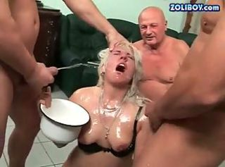 Hot blonde in extreme peeing action