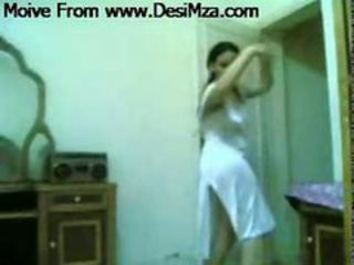 Arab girl Starkers Dance