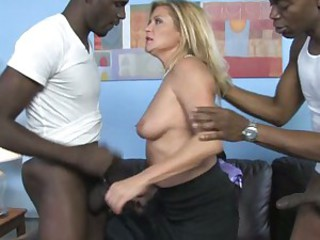 Ginger Lyn mom doing a hard head job for black guys