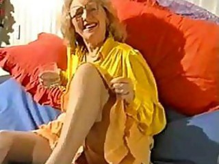 Granny In Her Girdle And Nylons