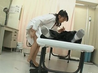 Lustful Asian Nurse Natsumi Kitahara Has a Sixty-Nine with a Patient