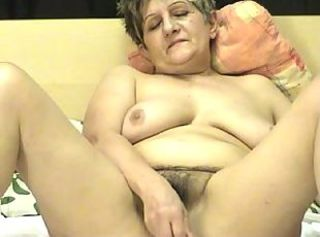 Granny ia a Webcam R20 _: grannies webcams