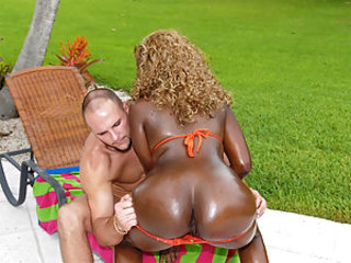 Today we have an ass that deserves praise! Fat, round, brown, and super juicy! Her name is Mocha and Mocha is awesome! It starts of with some nice bouncing ass poolside, it was a little gloomy at first but once we brought her outside the sun came out! Fro
