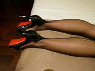 "My FF nylons with silver backseem & high heels"" target=""_blank"