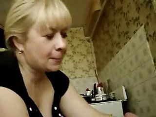 RUSSIAN MOM SUCK YOUNG PENIS
