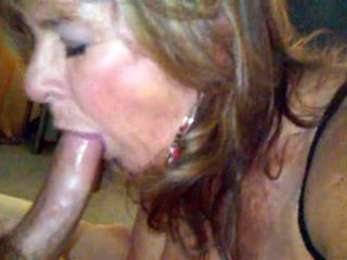 Amaateur MILF mouthful of cum...