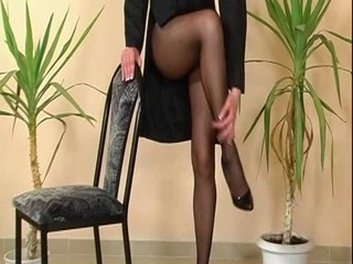Another classic pantyhose totter