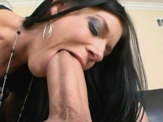 One huge horn for India Summer's...