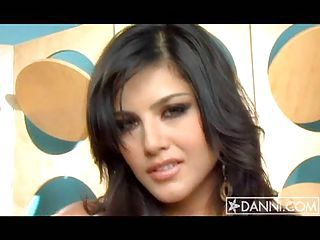Sunny Leone Exhibiting Say no to Beautiful Added to Meaty Confidential Are On A difficulty Couch