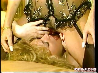 Samantha Strong Loves Going Down On A Sweet, Wet, Dripping Pussy