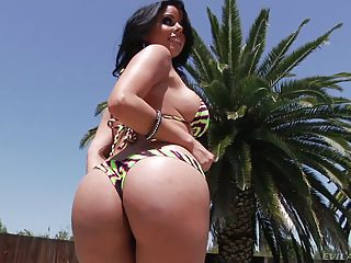 Curvy Brunette Diamond Kitty With Sexiest Body Shows Off Her Assets In...